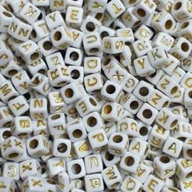 Miçanga quadrada c/ letras douradas - 6 mm c/ 50 grs