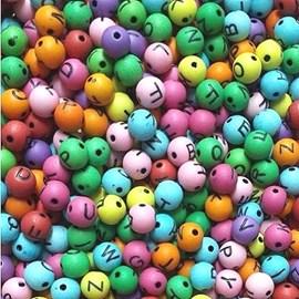 Miçanga redonda cores sortidas c/ letras - 8 mm c/ 50 grs