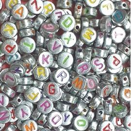 Miçanga redonda metalizada c/ letras coloridas - 6 mm c/ 50 grs